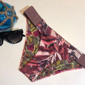 Maaji Reversible Bikini bottoms NWOT